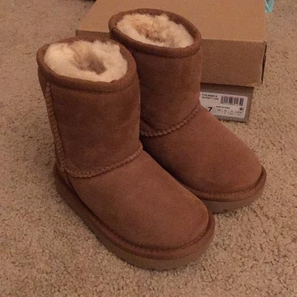 bf45c2fb28b Ugg boots toddler kids NWT